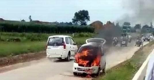 मुजफ्फरनगर में साधुओं से भरी कार में लगी भयंकर आग, मचा हडकंप